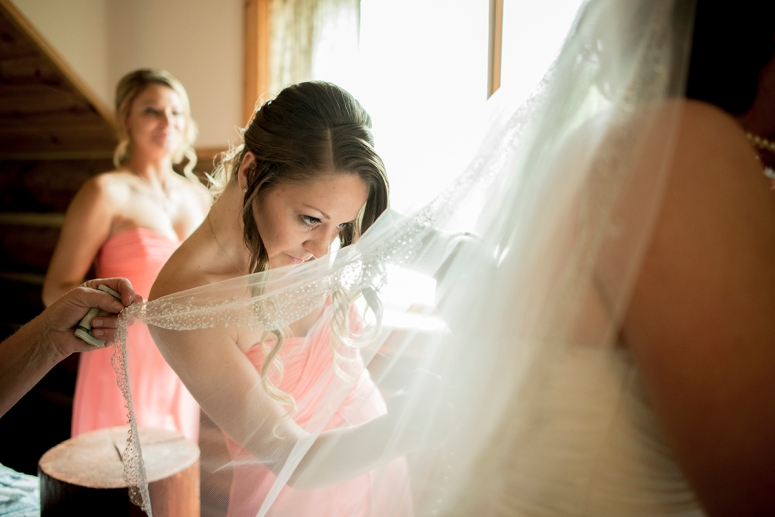 Bridesmaids-wearing-a-peach-dress-bridal-gown-is-white DSC_8104