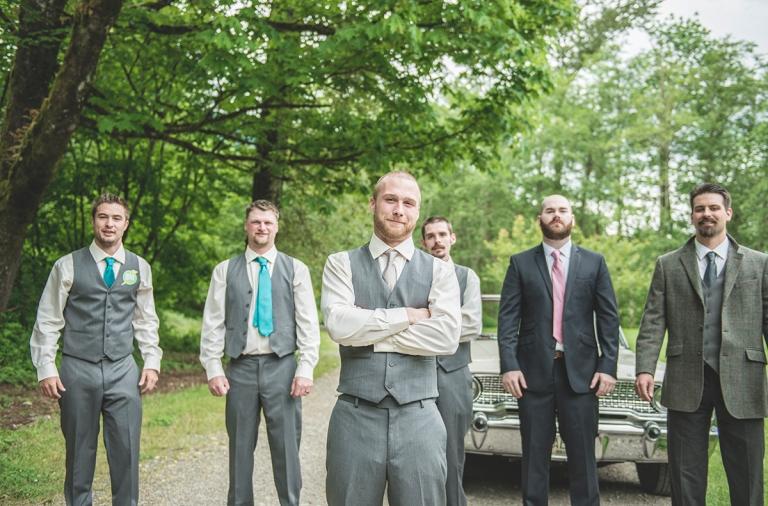 groom-groomsmen-and-some-friends_BMP2415