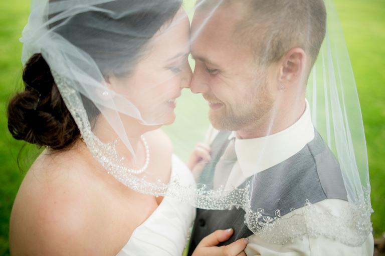 groom under veil DSC_8306