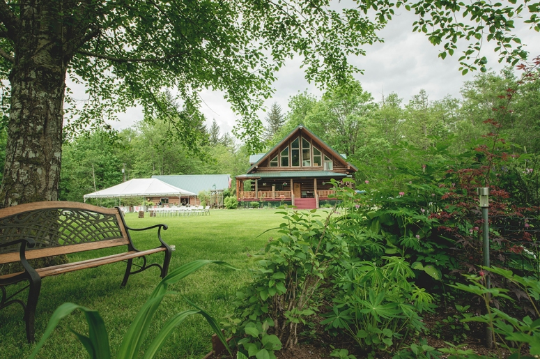 Wallace Falls lodge wooden house as wedding venue for A+J by Jane Speleers Photography_BMP2266