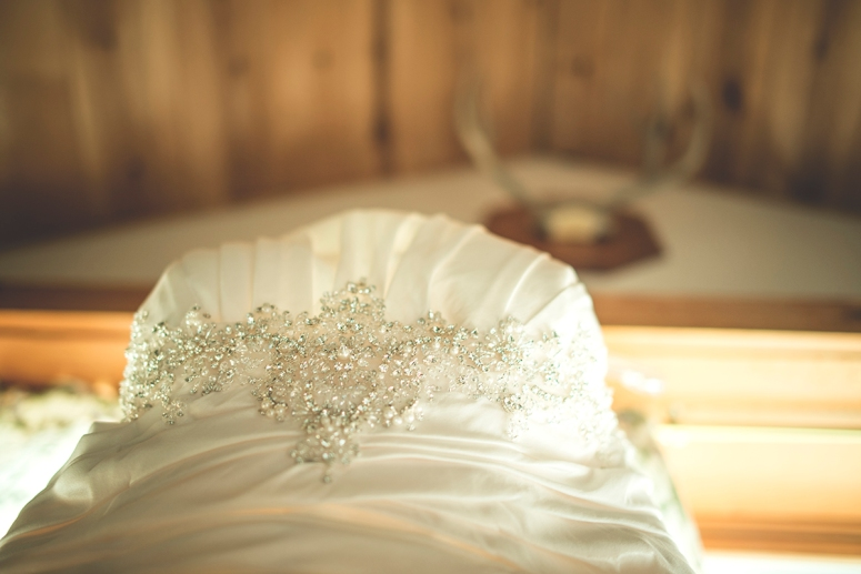 wedding-gown-details-beads-delicate-hand-made-beautiful-embroidery-with-pearls-DSC_7868