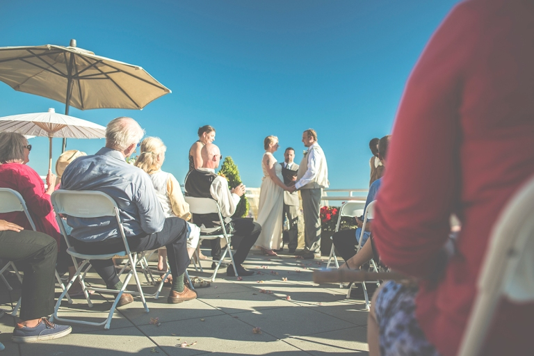 cermony vintage by the water D+T