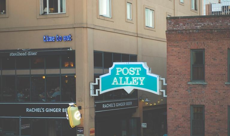 Post Alley wedding D+T