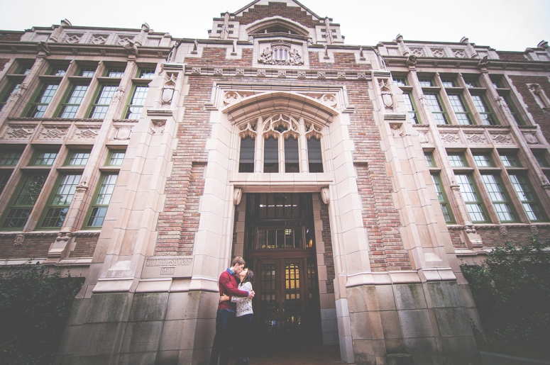 Engagement session at University of Washington by Jane Speleers DSC_5583