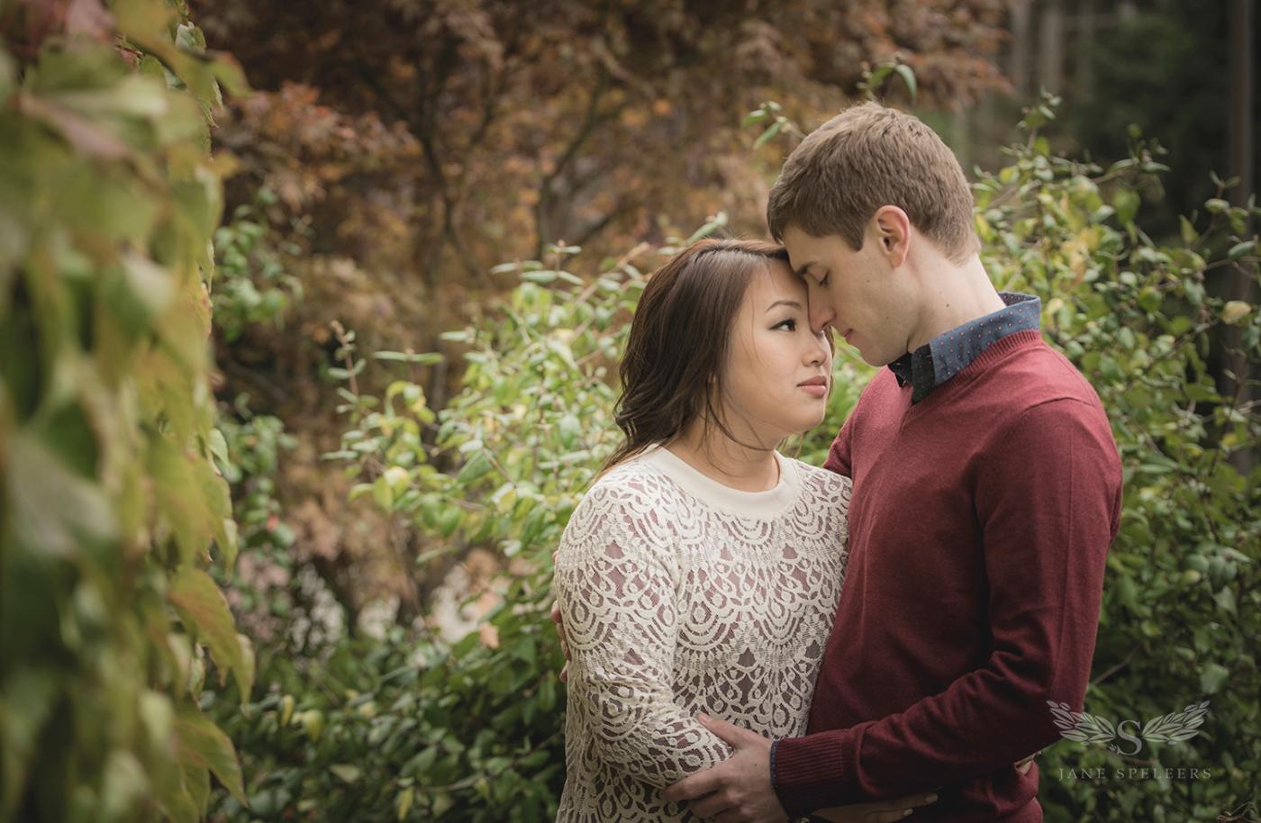Engagement-UW-Lawcampus_Rebecca_and_Evan DSC_4122
