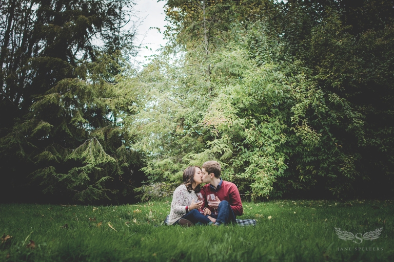 Engagement-UW-Lawcampus_Rebecca_and_Evan DSC_5399