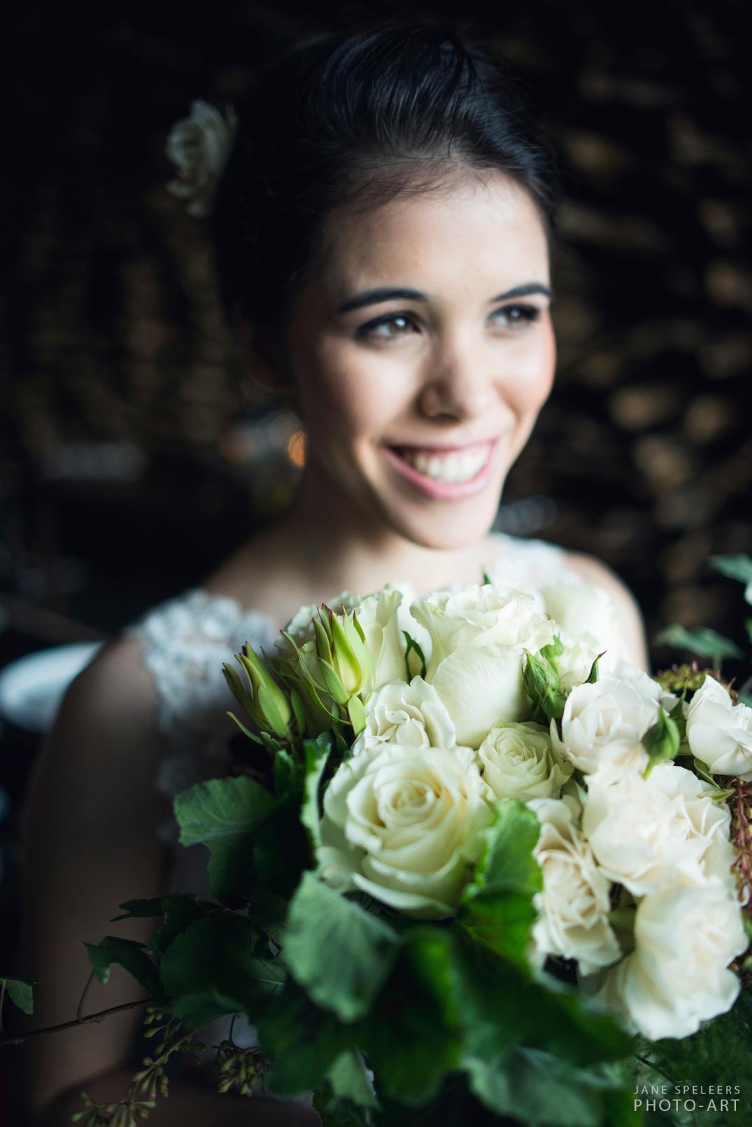 Bride with fl.jpg