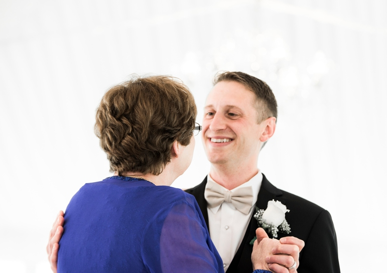 Jane_S_photography_Seattle_Wedding_at_Wild_Rose_estate_2016_Julienne_and_Brian_First dance _DSC_0297