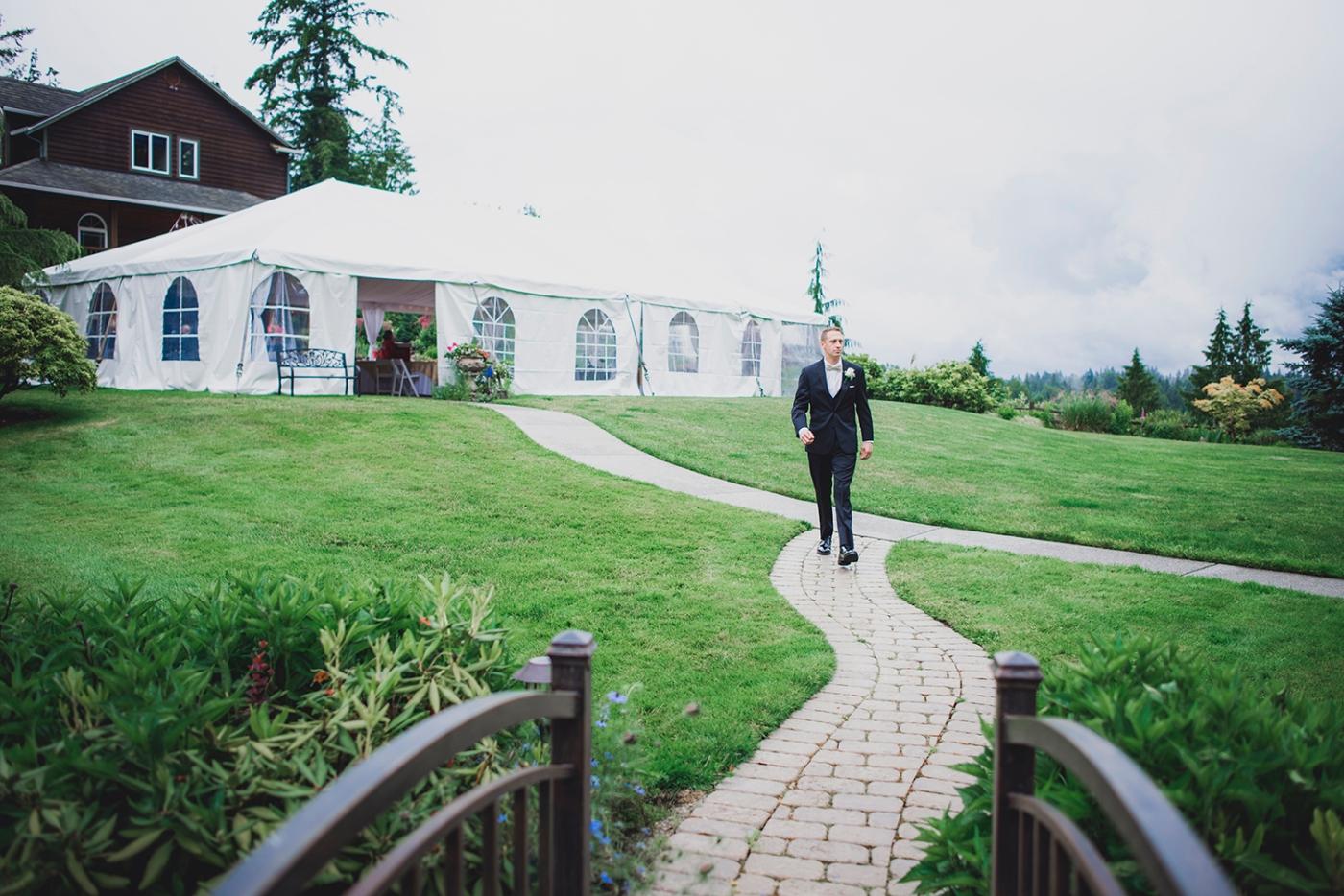 Jane_Speleers_2016_arriving to reception _Wedding_Wild_Rose_Estates_Venue_DSC_9810