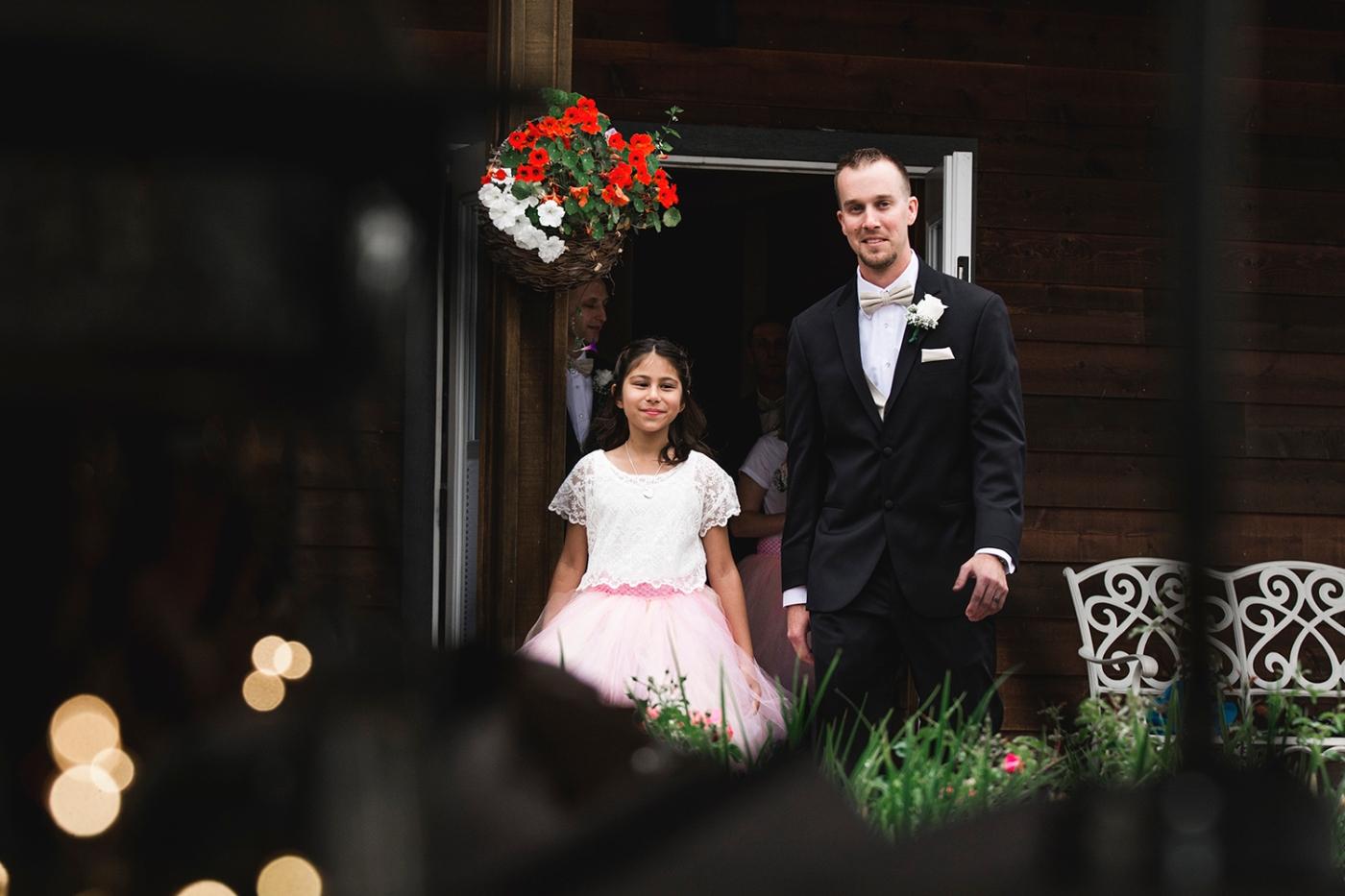 Jane_Speleers_2016_arriving to reception _Wedding_Wild_Rose_Estates_Venue_JS7_7838
