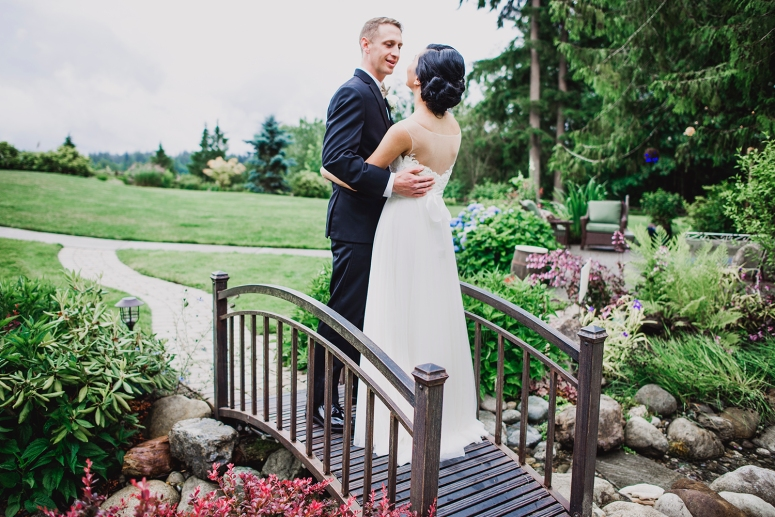 Jane_Speleers_2016_arriving to reception _Wedding_Wild_Rose_Estates_VenueDSC_9831