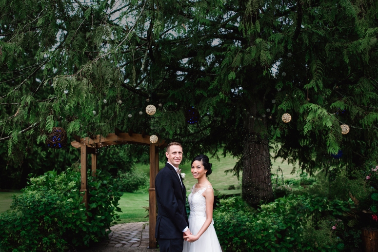 Jane_Speleers_2016_arriving to reception _Wedding_Wild_Rose_Estates_VenueDSC_9850