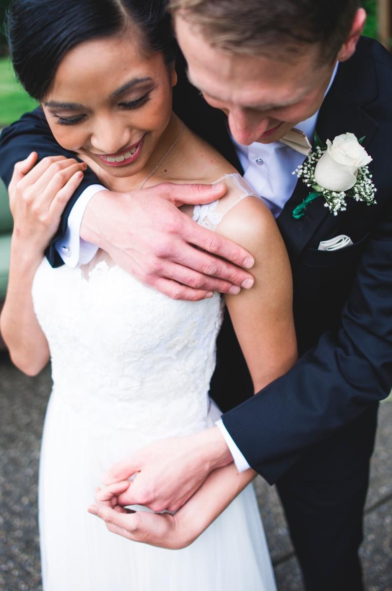 Jane_Speleers_2016_arriving to reception _Wedding_Wild_Rose_Estates_VenueDSC_9875