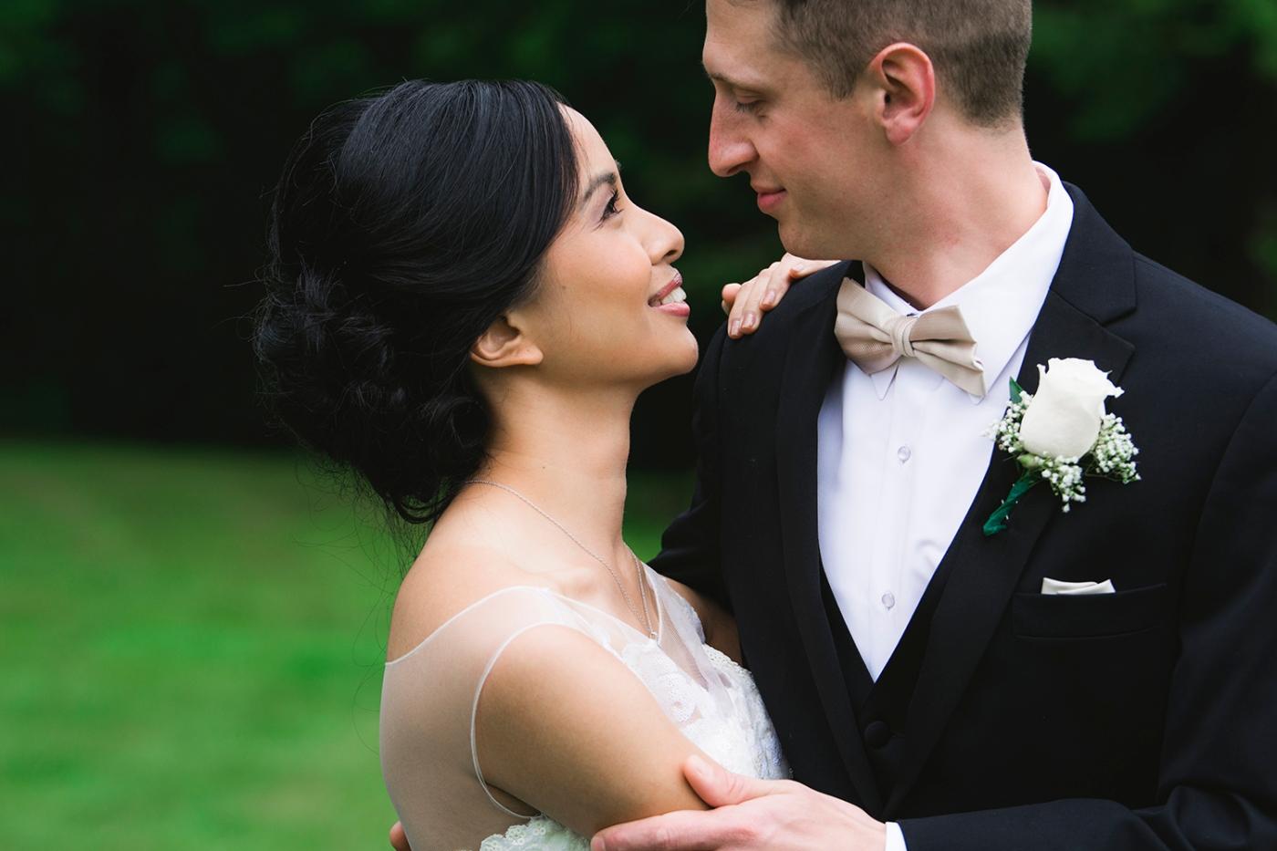 Jane_Speleers_2016_arriving to reception _Wedding_Wild_Rose_Estates_VenueJS7_7657