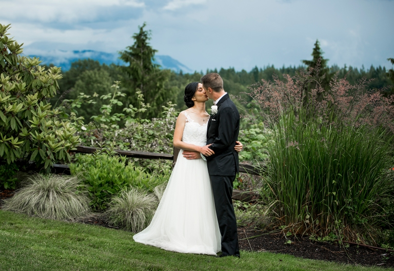 Jane_Speleers_photography_Seattle_Wedding_at_Wild_Rose_estate_2016_Julienne_and_Brian_bride_groom_ DSC_0376
