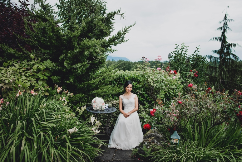 Jane_Speleers_photography_Seattle_Wedding_at_Wild_Rose_estate_2016_Julienne_and_Brian_bride_groom_ DSC_0415