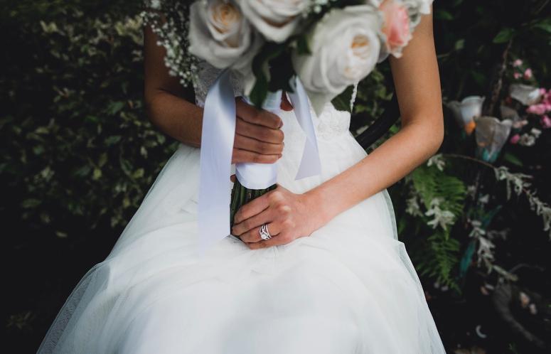 Jane_Speleers_photography_Seattle_Wedding_at_Wild_Rose_estate_2016_Julienne_and_Brian_bride_groom_ DSC_0431