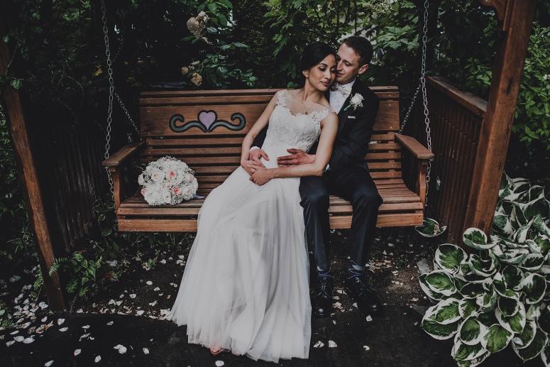 Jane_Speleers_photography_Seattle_Wedding_at_Wild_Rose_estate_2016_Julienne_and_Brian_bride_groom_ Jane_Speleers_photography_Seattle_Wedding_at_Wild_Rose_estate_2016_Julienne_and_Brian_bride_groom_ DSC_0474