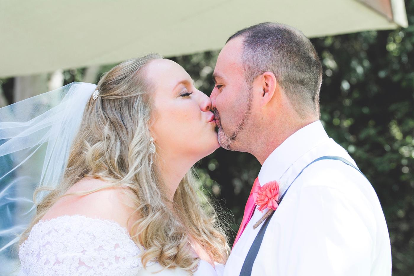 Jane_S_photography_Kadie_and_Steve_2016_Des_Moines_Marina_WeddingJS7_9156
