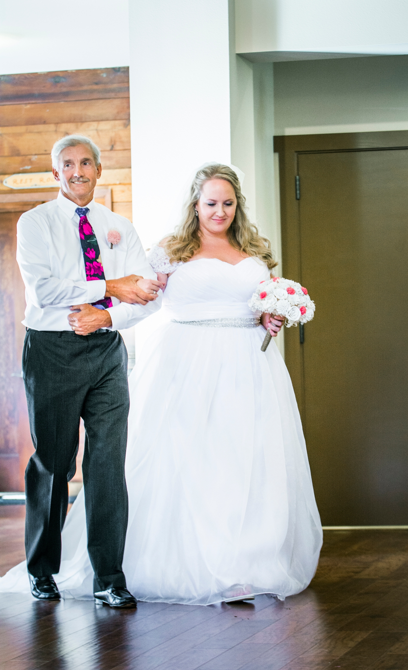 Jane_S_photography_Katie_and_Steve_2016_Des_Moines_Marina_Wedding_JS7_9286