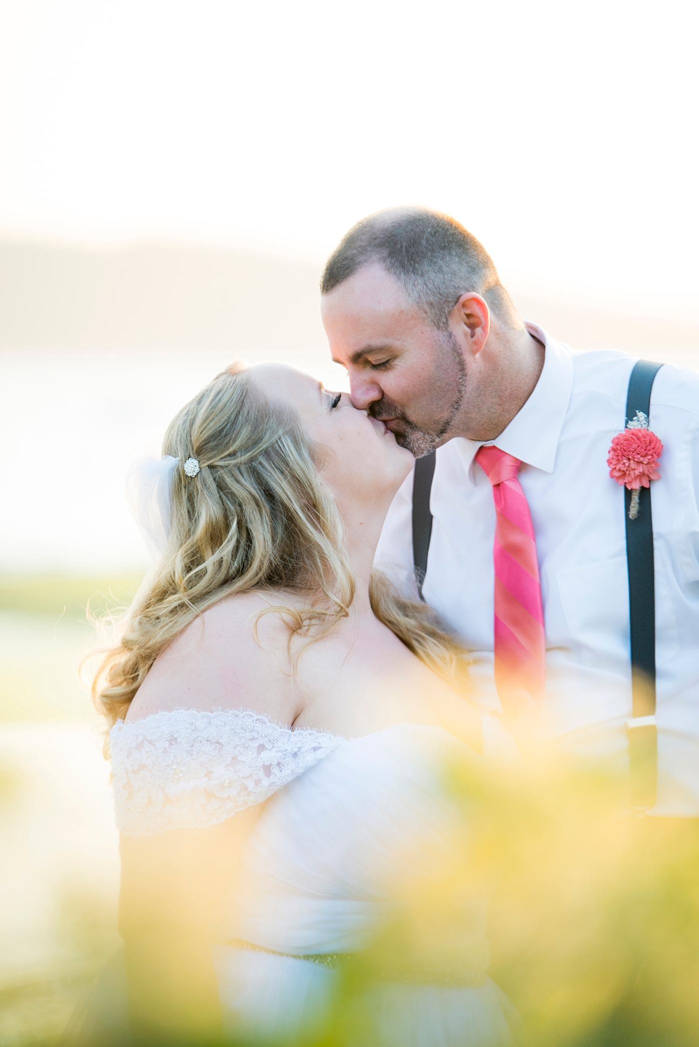Jane_Speleers_photography_Kadie_and_Steve_2016_Des_Moines_Marina_WeddingDSC_2393