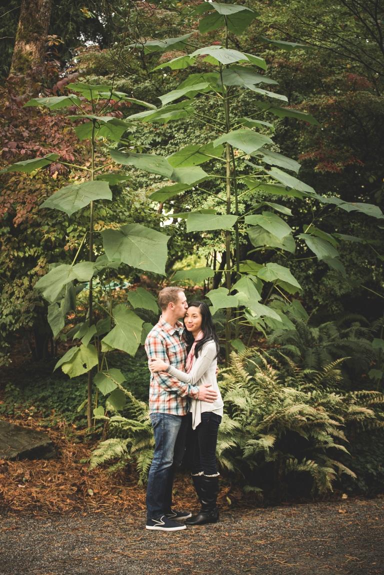 jane-speleers-photography-ju-bri-holiday-october-bellevue-botanical-garden-engagement-2016_dsc_5669