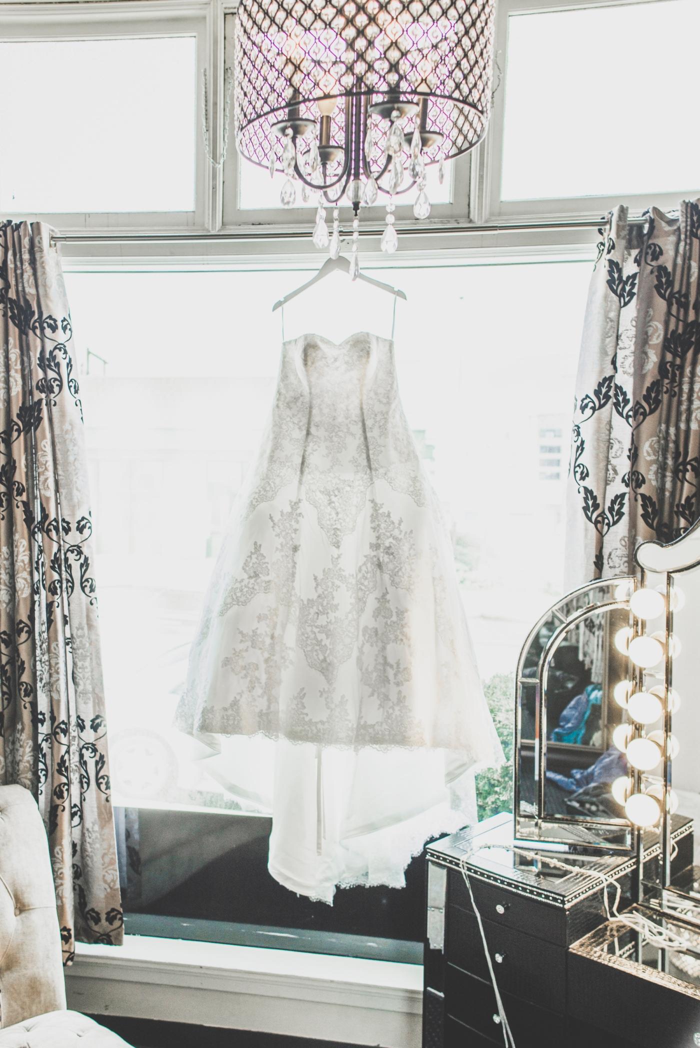 DSC_1751Everett_Wedding_Ballroom_Jane_Speleers_photography_Rachel_and_Edmund_Getting_ready_2017