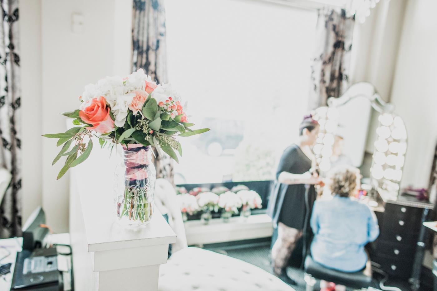 DSC_1794Everett_Wedding_Ballroom_Jane_Speleers_photography_Rachel_and_Edmund_Getting_ready_2017
