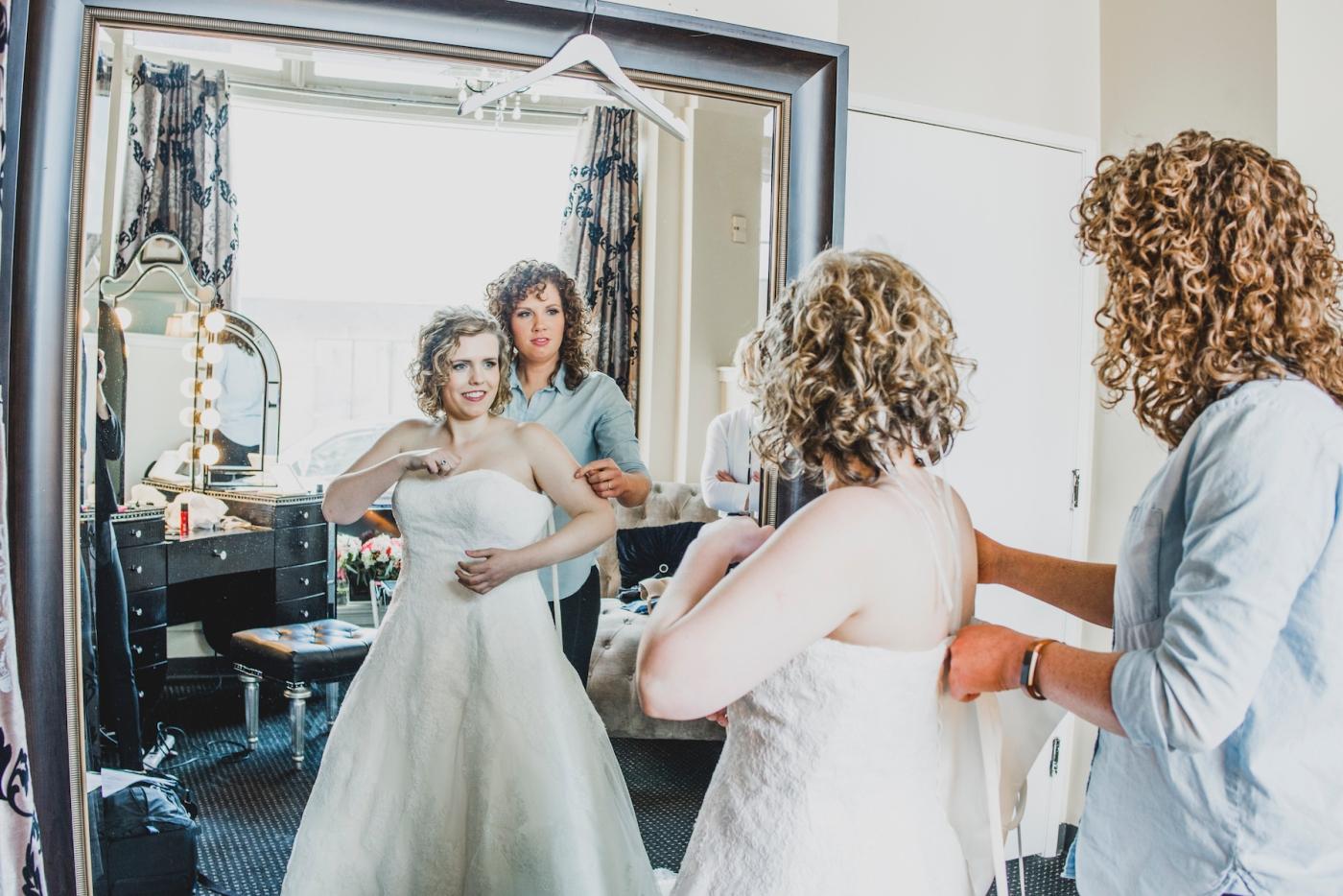 DSC_1854Everett_Wedding_Ballroom_Jane_Speleers_photography_Rachel_and_Edmund_Getting_ready_2017