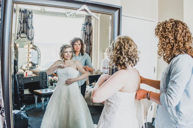 DSC_1854Everett_Wedding_Ballroom_Jane_Speleers_photography_Rachel_and_Edmund_Getting_ready_2017