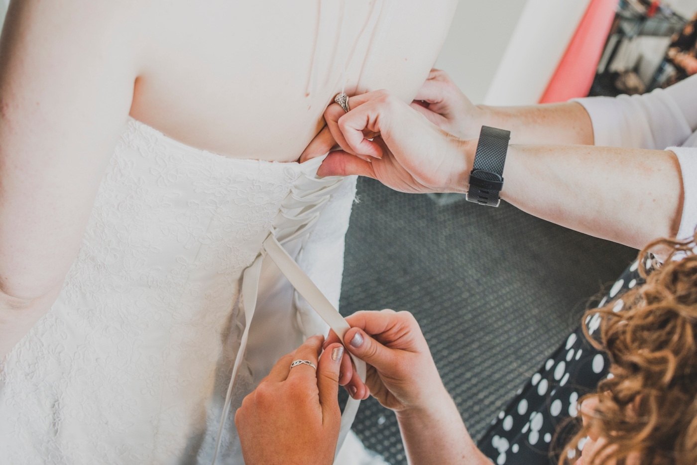 DSC_1869Everett_Wedding_Ballroom_Jane_Speleers_photography_Rachel_and_Edmund_Getting_ready_2017