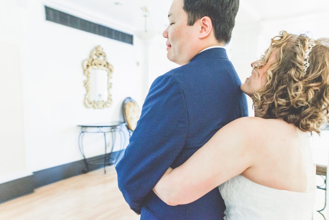 DSC_2037Everett_Wedding_Ballroom_Jane_Speleers_photography_Rachel_and_Edmund_First_look_2017