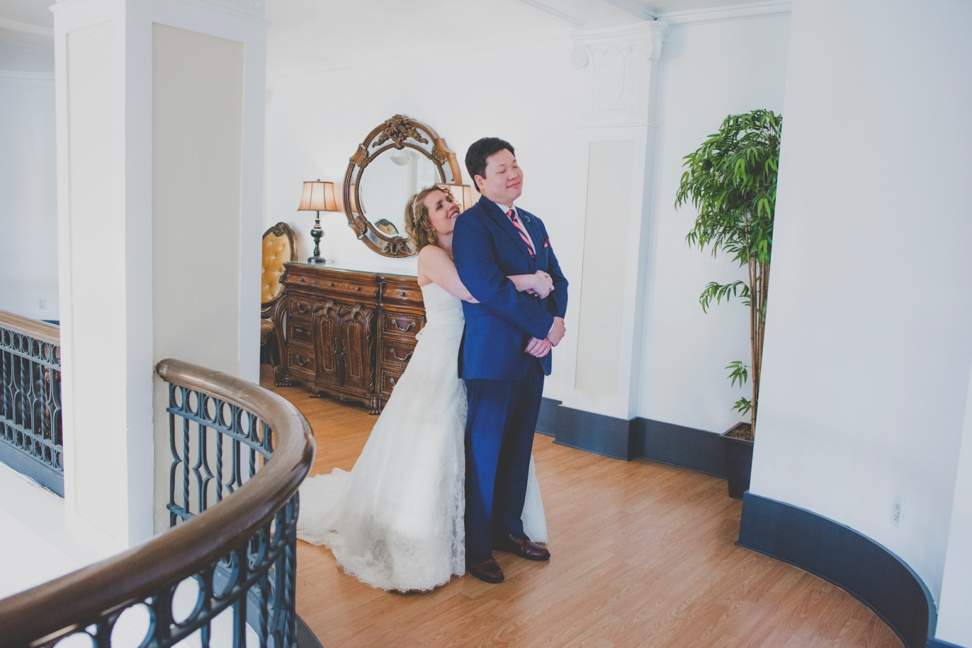 DSC_2040Everett_Wedding_Ballroom_Jane_Speleers_photography_Rachel_and_Edmund_First_look_2017
