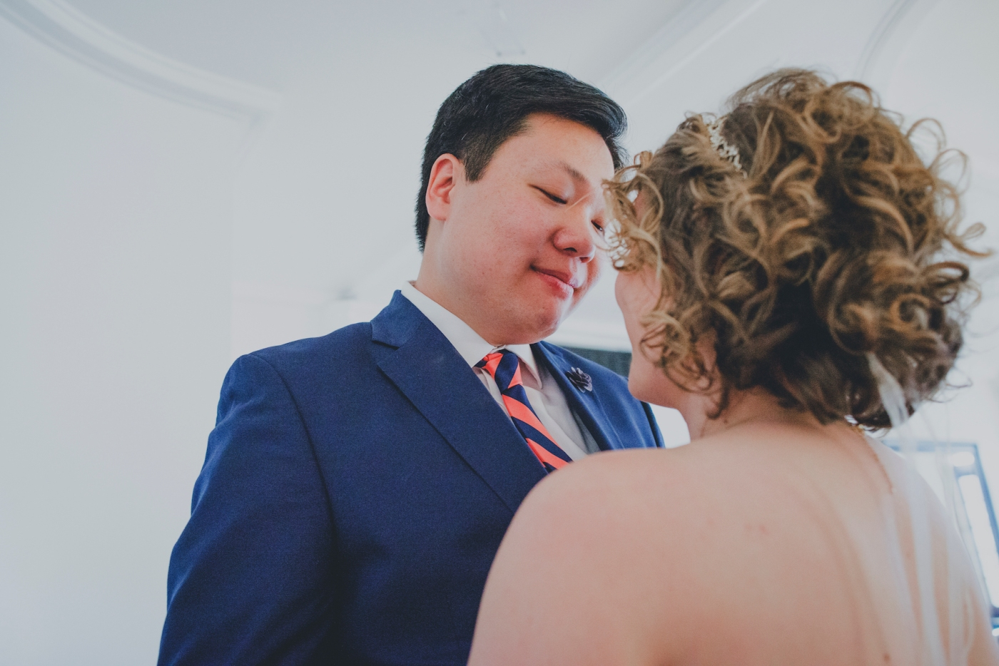DSC_2056Everett_Wedding_Ballroom_Jane_Speleers_photography_Rachel_and_Edmund_First_look_2017