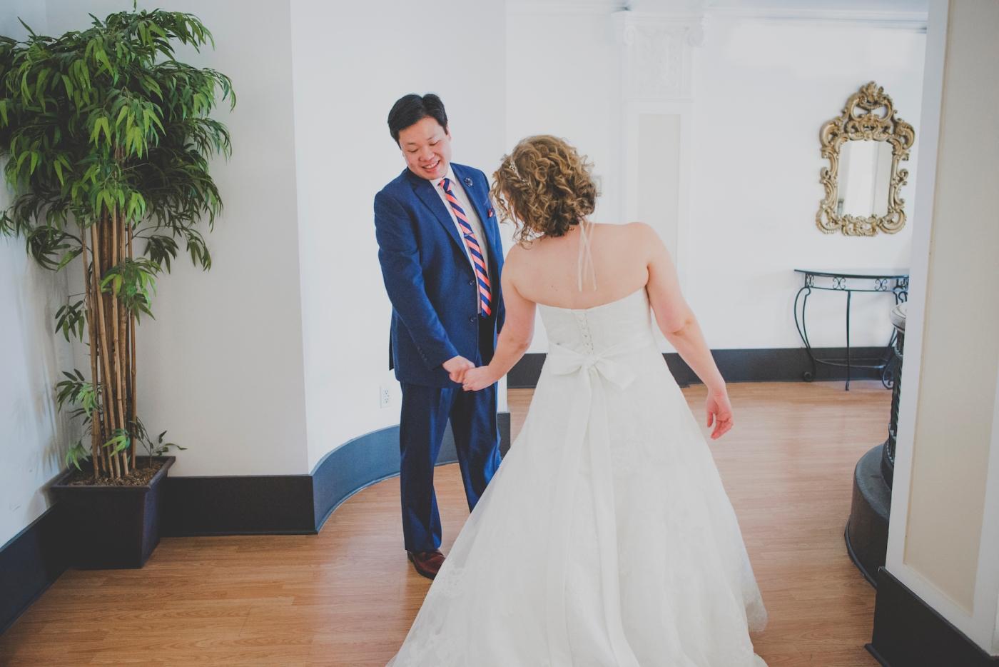 DSC_2058Everett_Wedding_Ballroom_Jane_Speleers_photography_Rachel_and_Edmund_First_look_2017