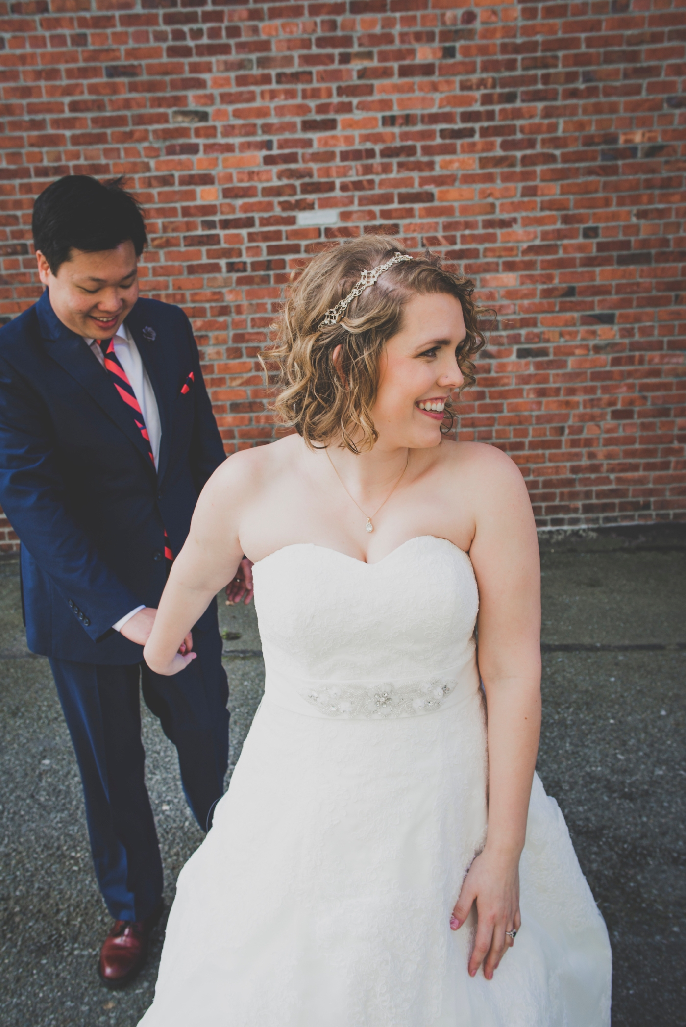 DSC_2140Everett_Wedding_Ballroom_Jane_Speleers_photography_Rachel_and_Edmund_Bridesmaids_peach_dresses_groomsmen_2017