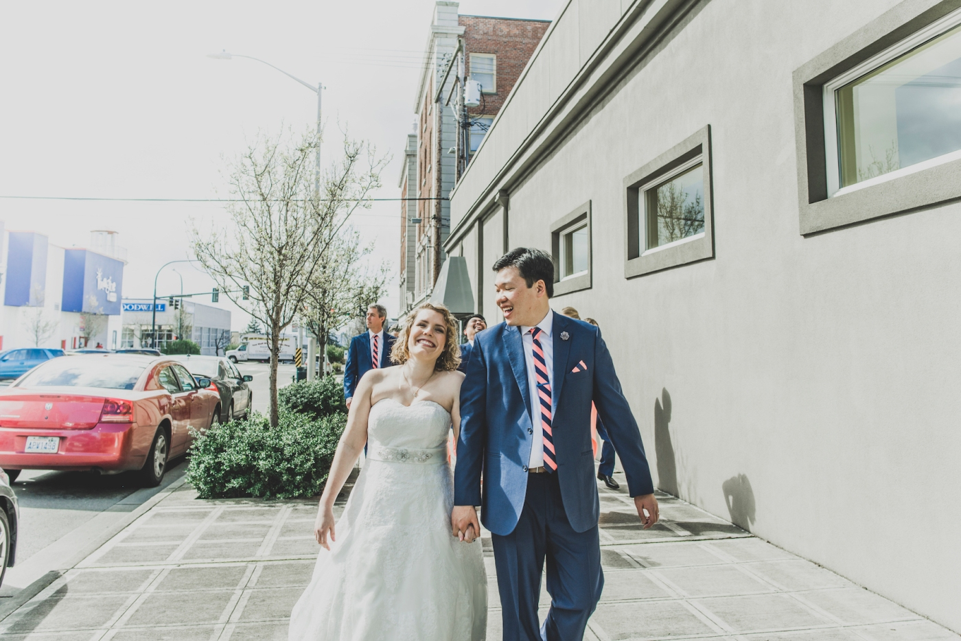 DSC_2163Everett_Wedding_Ballroom_Jane_Speleers_photography_Rachel_and_Edmund_Bridesmaids_peach_dresses_groomsmen_2017