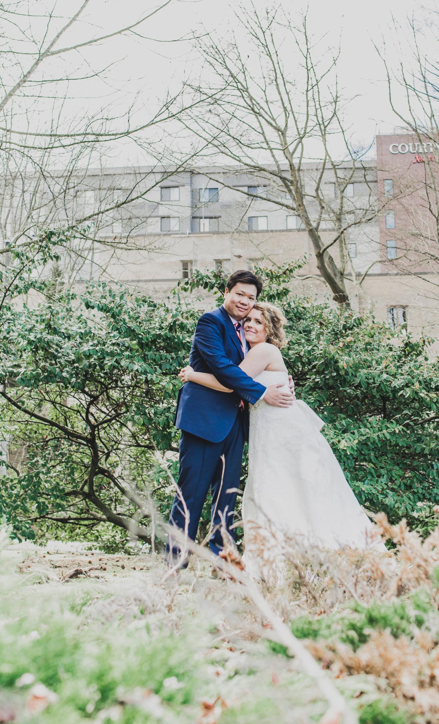 DSC_2319Everett_Wedding_Ballroom_Jane_Speleers_photography_Rachel_and_Edmund_Bridesmaids_peach_dresses_groomsmen_2017