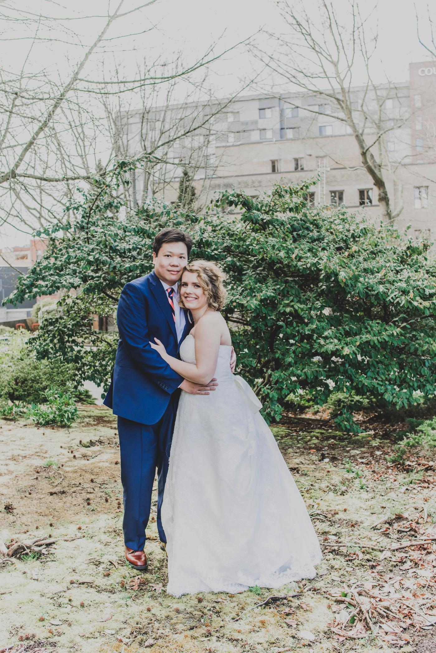 DSC_2321Everett_Wedding_Ballroom_Jane_Speleers_photography_Rachel_and_Edmund_Bridesmaids_peach_dresses_groomsmen_2017