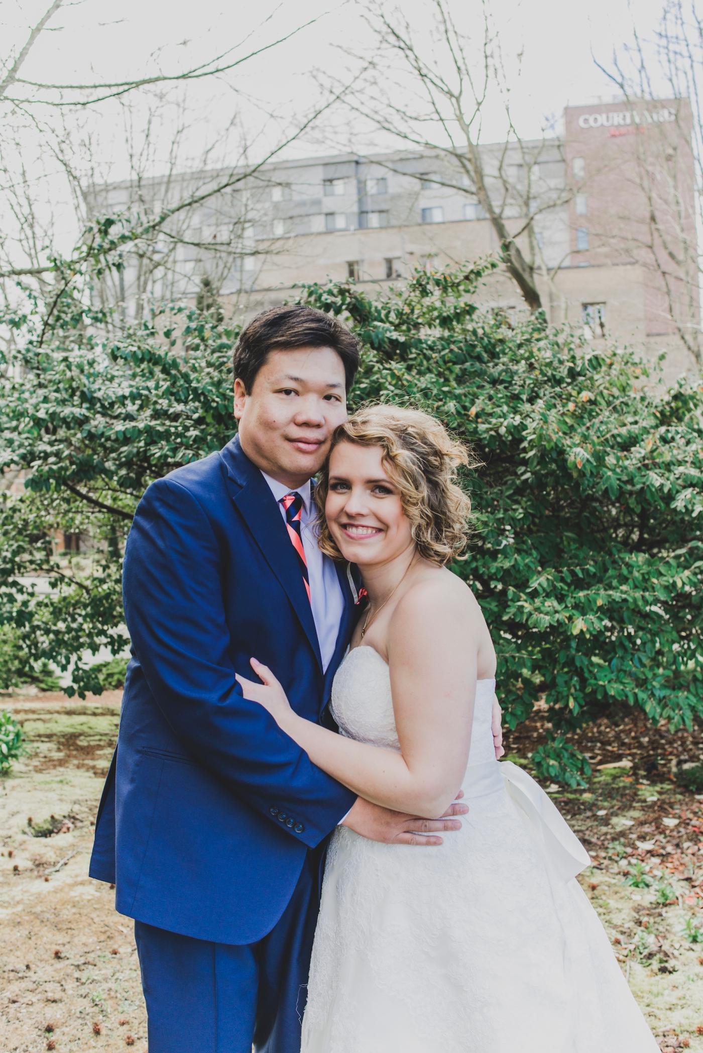 DSC_2325Everett_Wedding_Ballroom_Jane_Speleers_photography_Rachel_and_Edmund_Bridesmaids_peach_dresses_groomsmen_2017