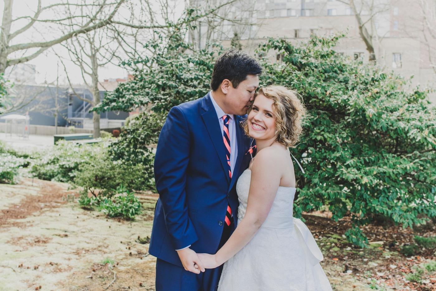 DSC_2330Everett_Wedding_Ballroom_Jane_Speleers_photography_Rachel_and_Edmund_Bridesmaids_peach_dresses_groomsmen_2017
