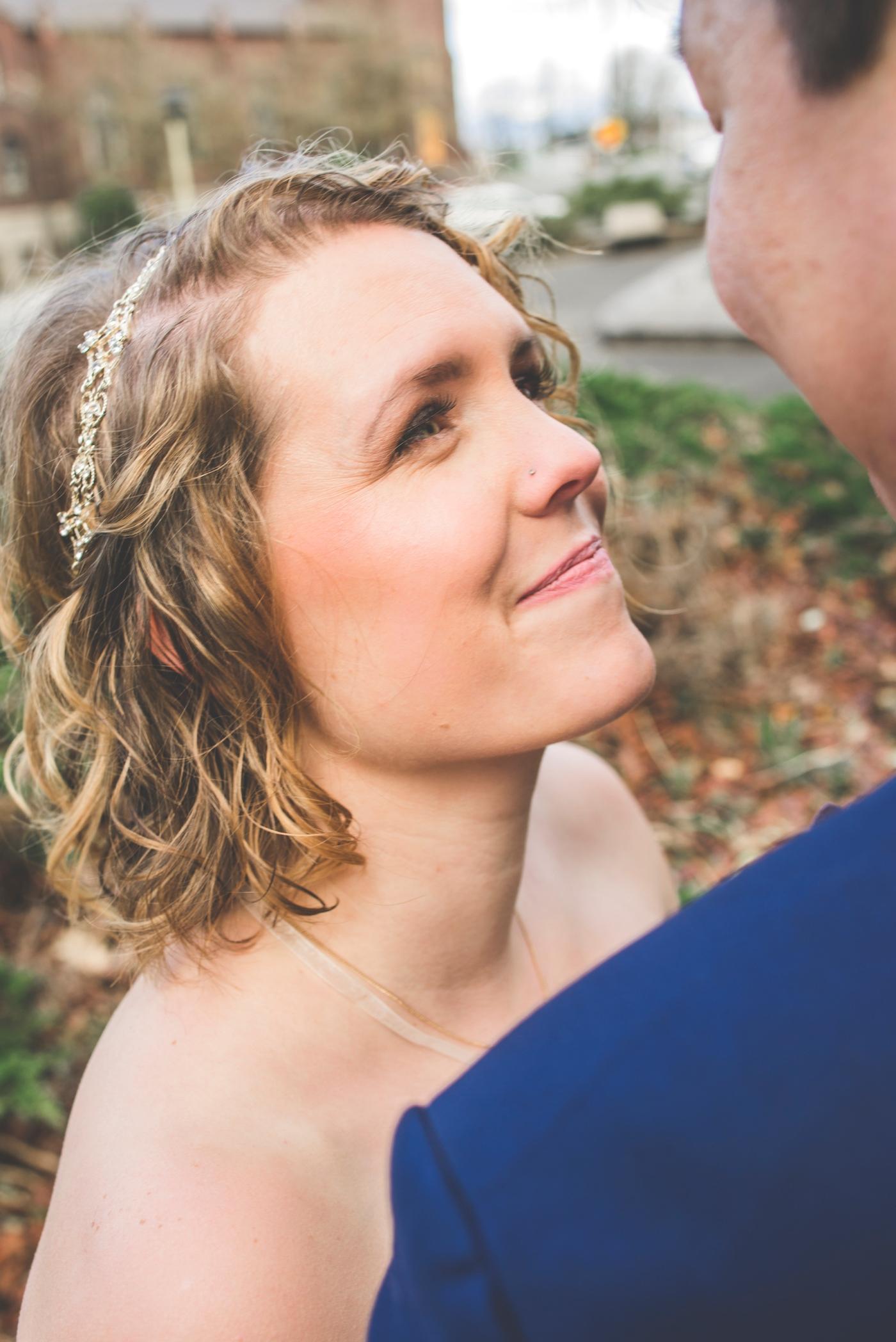 DSC_2351Everett_Wedding_Ballroom_Jane_Speleers_photography_Rachel_and_Edmund_Bridesmaids_peach_dresses_groomsmen_2017
