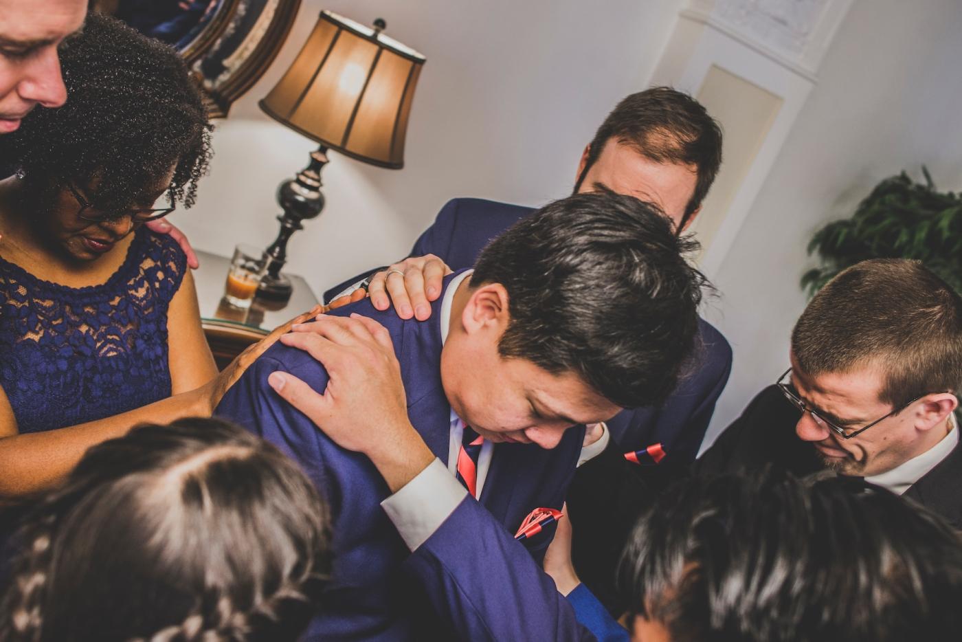 DSC_2389Everett_Wedding_Ballroom_Jane_Speleers_photography_Rachel_and_Edmund_Praying_2017