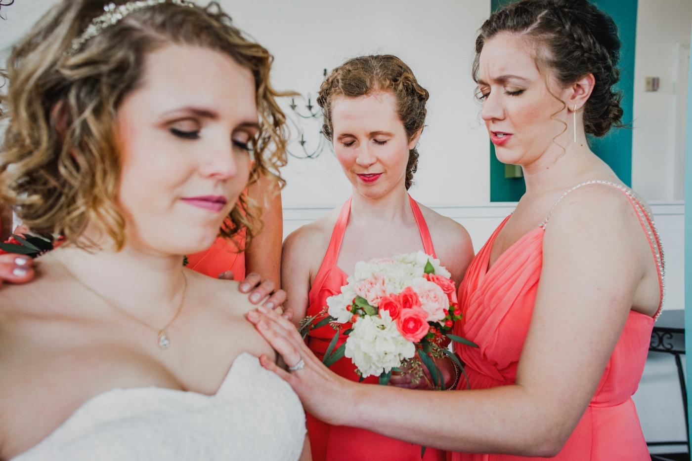 DSC_2468Everett_Wedding_Ballroom_Jane_Speleers_photography_Rachel_and_Edmund_Praying_2017