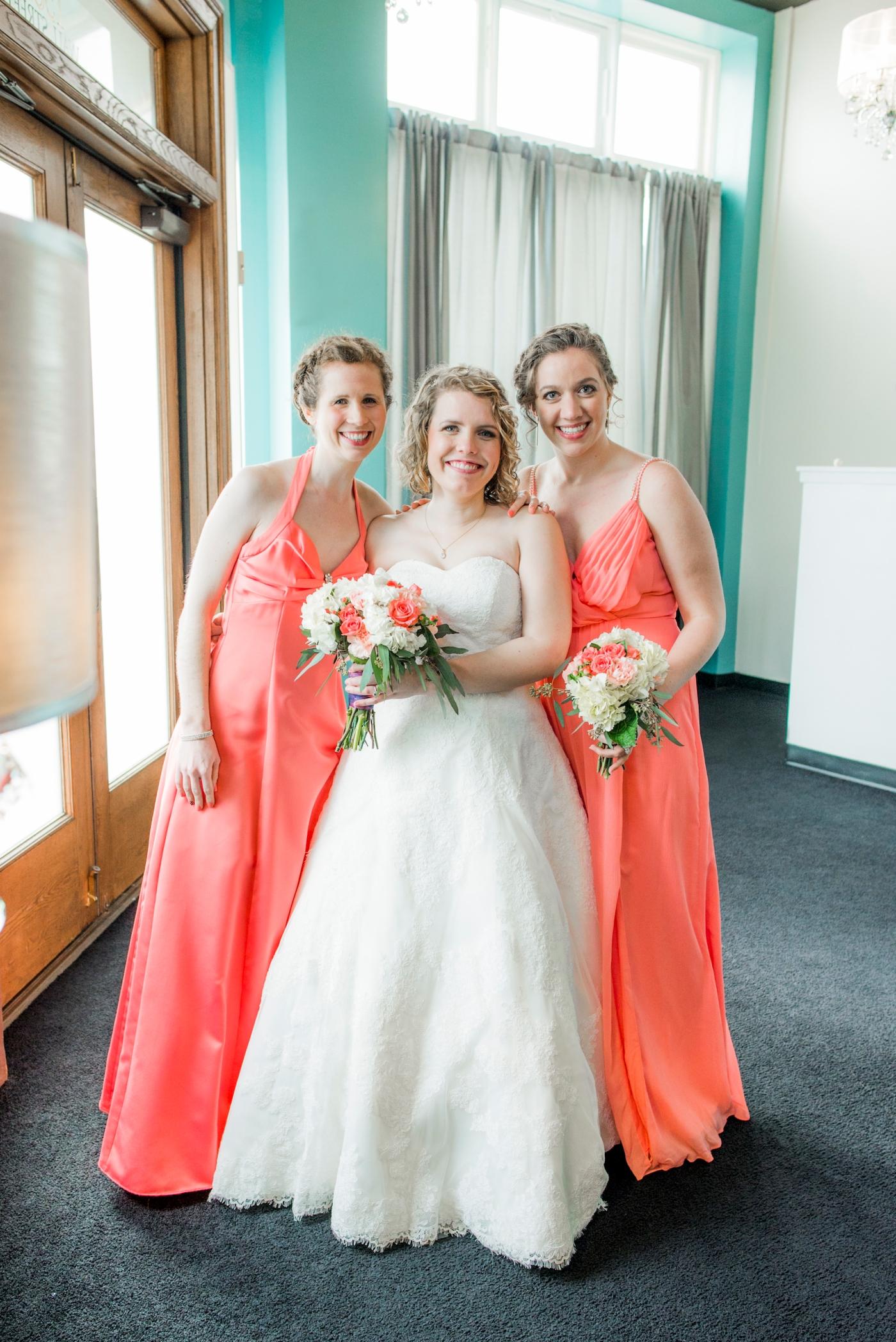 DSC_2870Everett_Wedding_Ballroom_Jane_Speleers_photography_Rachel_and_Edmund_bridesmaids_2017