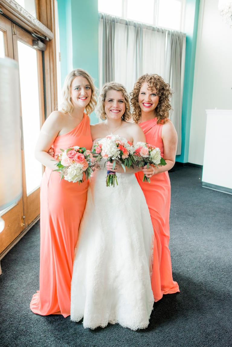 DSC_2880Everett_Wedding_Ballroom_Jane_Speleers_photography_Rachel_and_Edmund_bridesmaids_2017