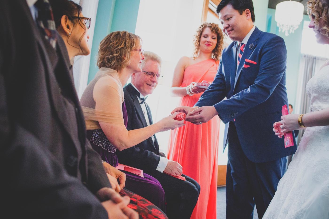 DSC_2994Everett_Wedding_Ballroom_Jane_Speleers_photography_Rachel_and_Edmund_teaceremony_2017